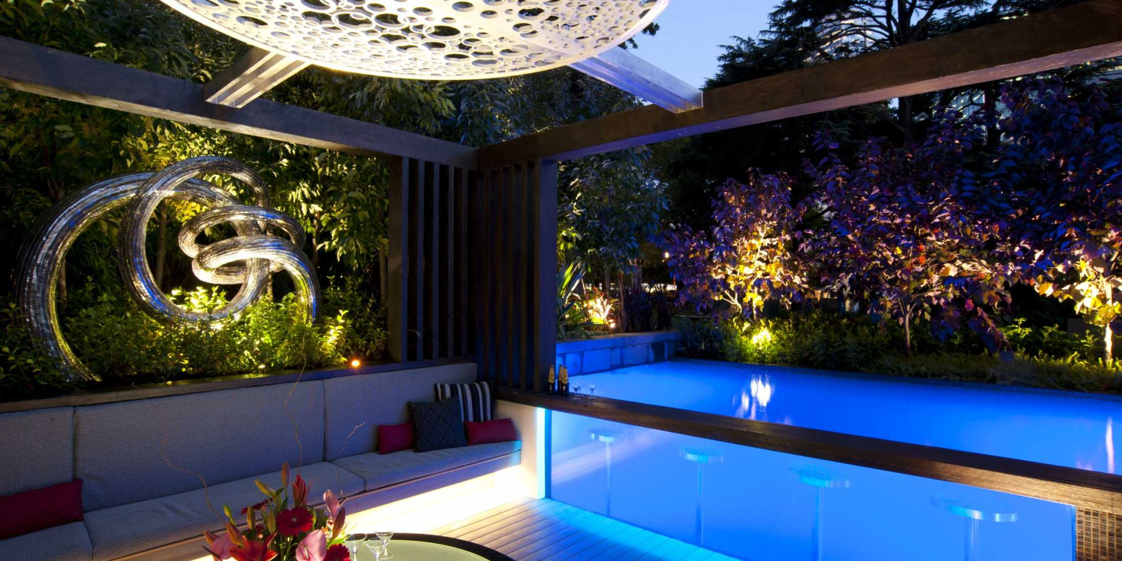5 tips for a sparkling pool